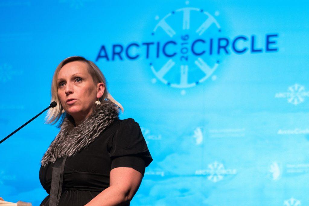 Unnur Brá Konráðsdóttir under en tale til Arctic Circle, men hun kunne ikke deltage på årsmødet i Qaqortoq